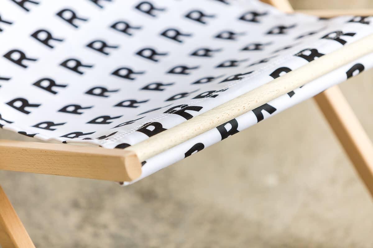 reprezentuj sklep biały leżak detal
